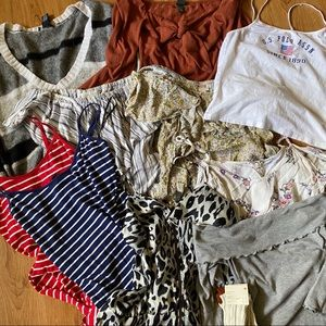 BUNDLE OF GENTLY USED WOMENS CLOTHES